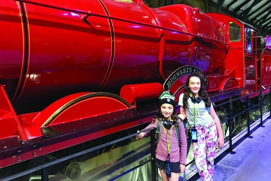 all aboard the hogwarts express harry potter world