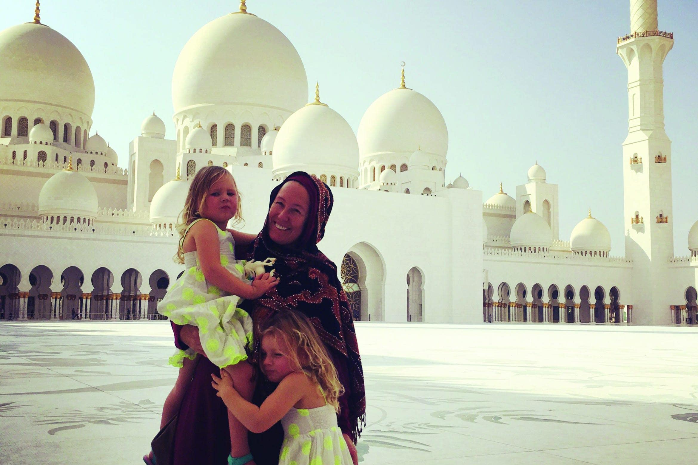 flip and the girls at zayed mosque scaled 3 2