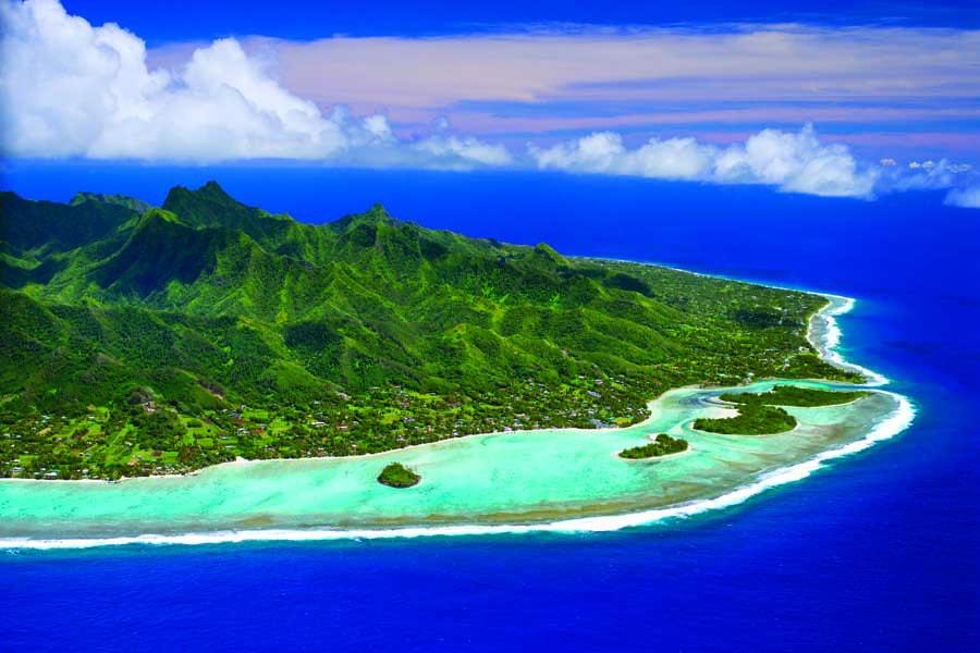 muri lagoon and rarotonga from the air. image cook islands tourism