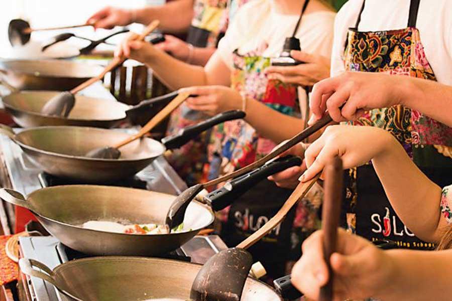 a thai cooking class
