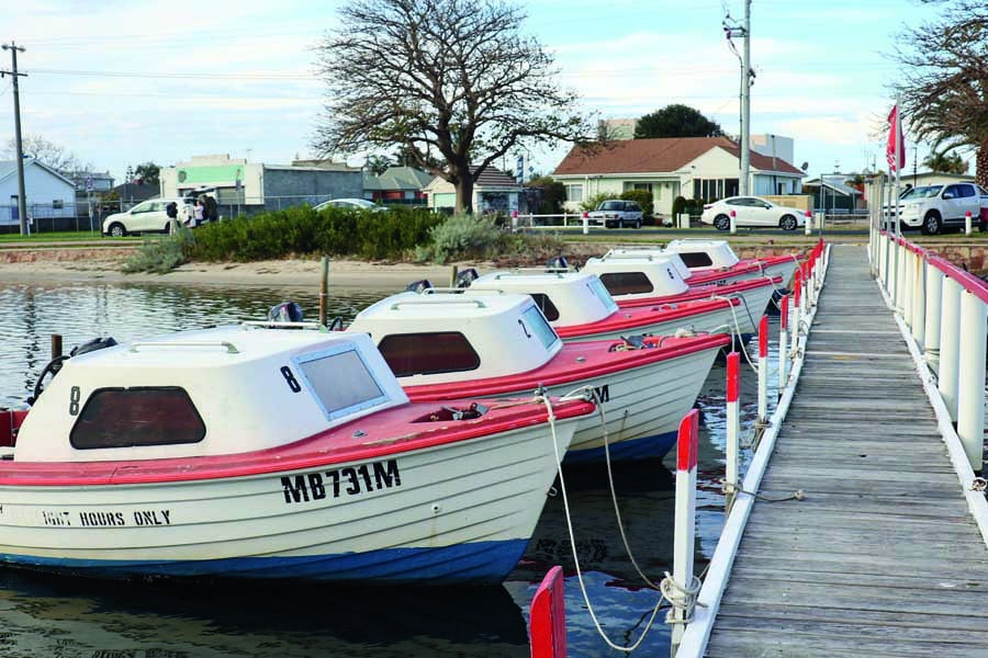 victor boat hire putt putt boats all in a row
