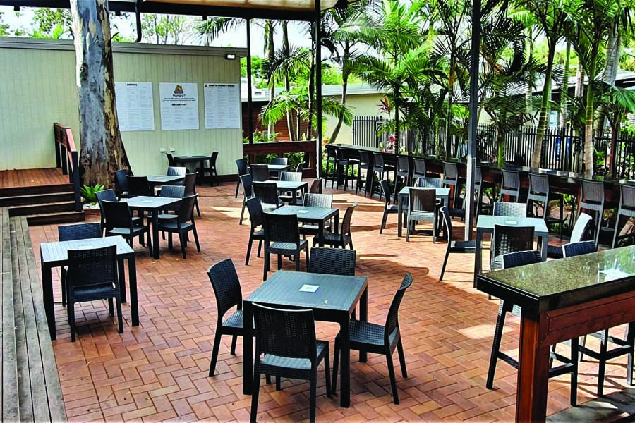 alfresco dining at big4 gold coast holiday park