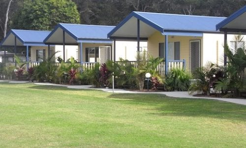 BIG4 Soldiers oint 520 family cabins overlooking grass