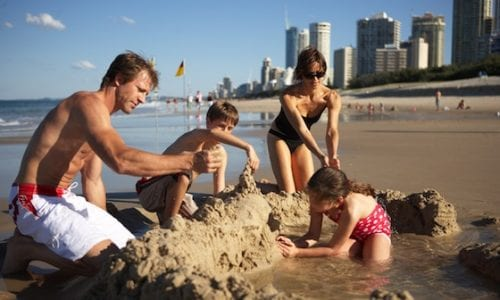 gold coast family at beach